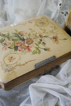 From: Ana Rosa, please visit Victorian Photos, Antique Photos, Antique Books, Vintage Books, Vintage Gifts, Vintage Decor, Vintage Photos, Vintage Notebook, Vintage Love