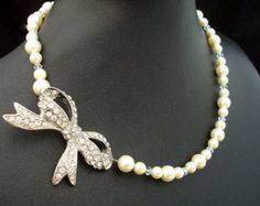 Bridal Necklace with Rhinestone Bow Pearl and rhinestone bow