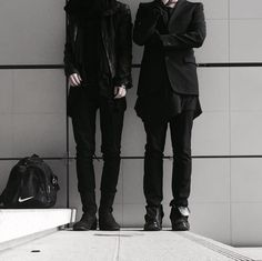 Find images and videos about fashion, photography and black on We Heart It - the app to get lost in what you love. Bellatrix Lestrange, Story Inspiration, Character Inspiration, Alec And Jace, Jace Lightwood, Jae Lee, Pokerface, Regulus Black, Empire