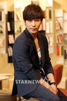 Kim Ji Han (Jin Yi Han)