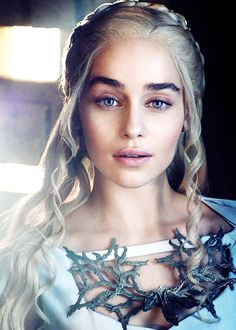 "Fan art Daenerys Targaryen (Emilia Clarke) - (Game of Thrones ""Juego de Tronos"") #GameofThrones #JuegodeTronos #Series"