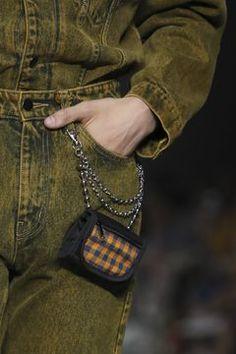Man Purse, New Bag, Chanel Boy Bag, Bag Making, Vintage Men, Shoulder Bag, Purses, Spiral Model, Leather