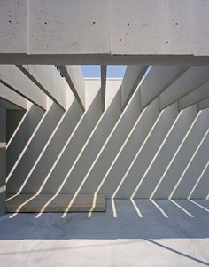 Mount Fuji Architects Studio - Valley House, Tokyo Via, photo (C) Ryota Atarashi. : Mount Fuji Architects Studio - Valley House, Tokyo Via, photo (C) Ryota Atarashi. Space Architecture, Contemporary Architecture, Architecture Details, Arch Light, Mount Fuji, Light And Space, Japan Design, Brutalist, Light And Shadow