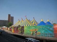 Bucket List: See a Big Top Circus Performance Carnival Tent, Circus Tents, Big Top Circus, Local Fairs, Large Tent, Animal Attack, Creeped Out, Circus Performers, Circus Art