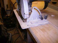 Straight Edge Guide for Circular Saw/Router --> http://lumberjocks.com/replies/434384