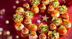 Truffled scallops toast – 100 aperitif recipes for Christmas – Nutella Creme, Tapas, Christmas Time, Christmas Wreaths, Christmas Buffet, Cocktail Maker, Christmas Appetizers, Christmas Recipes, Fun Drinks