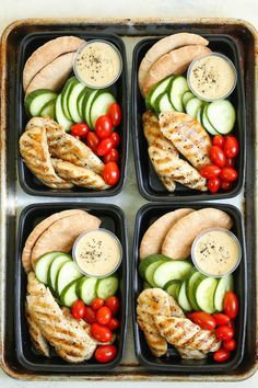 Copycat Starbucks Chicken and Hummus Bistro Box - Meal prep for the week ahead!!! Filled with hummus, chicken strips, cucumber, tomatoes and wheat pita.Sourced through Scoop.it from: damndelicious.net