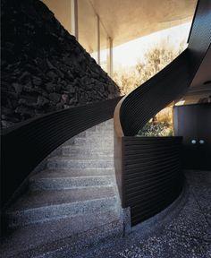 John Lautner Garcia House photo by Francois Dischinger for LA Times School Architecture, Modern Architecture, Exterior Design, Interior And Exterior, Rainbow House, John Lautner, Residential Interior Design, Stairway To Heaven, Brutalist