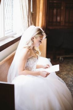 Bride reading her pre-wedding letter: http://www.stylemepretty.com/2014/06/25/all-white-modern-hollywood-wedding/ | Photography: Taylor Made Art - http://taylormadeart.com/
