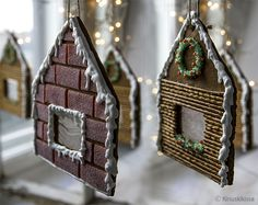 Ripustettavat piparkakkutalot / hangable ginger bread houses. #gift #ideas #christmas