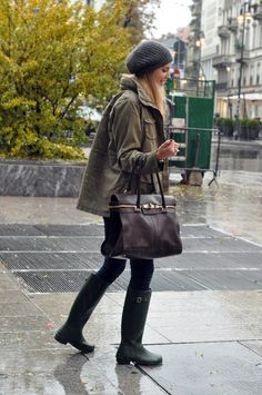 Art Symphony: Stay stylish in the rain!