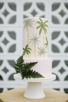 Tropical Wedding Cake | Cake by The Cake That Ate Paris | Photography by Heart and Colour