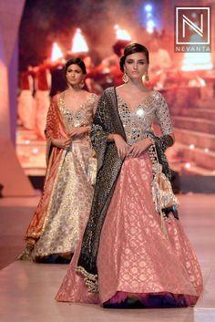 Perfect summer #wedding fashion inspiration by #ManishMalhotra