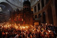 worshippers-hold-candles-they-take-part-christian-orthodox-holy-fire-ceremony.jpg (854×570)