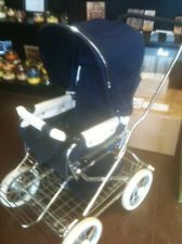 vintage baby pram in Antiques Vintage Stroller, Vintage Pram, Grand Theft Auto, Prams And Pushchairs, Baby Prams, Baby Carriage, Baby Gear, Sweden, Vintage Antiques