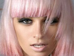 Pastel pink hair / blunt bangs / fringe