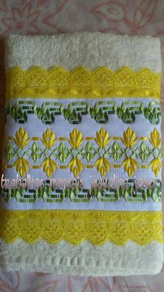 Wonderful Ribbon Embroidery Flowers by Hand Ideas. Enchanting Ribbon Embroidery Flowers by Hand Ideas. Embroidery Stitches Tutorial, Embroidery Patterns, Stitch Patterns, Herb Embroidery, Silk Ribbon Embroidery, Flower Making With Ribbon, Free Swedish Weaving Patterns, Chicken Scratch Embroidery, Monks Cloth