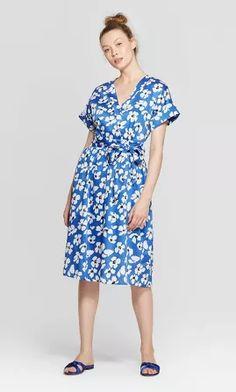 petiteWomen's Floral Print Short Sleeve V-Neck Wrap Dress - Who What Wear Blue/White XS Wrap Dress Floral, Maxi Wrap Dress, Black Midi Dress, Day Dresses, Casual Dresses, Dresses For Work, Neck Wrap, Who What Wear, Short Sleeve Dresses