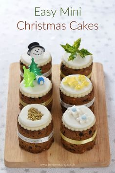 How to make mini christmas cakes in tin cans - I used mini baked bean tins to bake these cute little cakes - fab homemade gift idea from Eats Amazing Mini Christmas Cakes, Christmas Cake Designs, Christmas Food Gifts, Xmas Food, Christmas Cooking, Christmas Desserts, Xmas Cakes, Christmas Recipes, Christmas Hamper Ideas Homemade