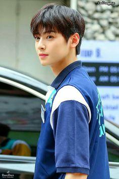 Cute Korean Boys, Korean Men, Cute Boys, Asian Actors, Korean Actors, K Pop, Astro Wallpaper, Cha Eunwoo Astro, Lee Dong Min