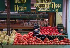 Fresh and organic vegetables at french farmers market: Lizenzfreie Bilder und Fotos Organic Vegetables, French Style, Farmers Market, Fresh, Paris, Marketing, Food, Zucchini, Eggplant