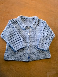 DIY - hæklet baby trøje Crochet For Kids, Crochet Baby, Knit Crochet, Baby Pullover, Shrug Cardigan, Diy Baby, Diy For Kids, Diy Clothes, Baby Knitting