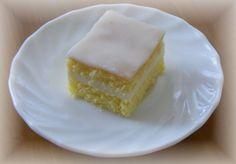 Piškot : 8 žloutků 20 dkg cukru kryst - šleháme přidáme kůru a šťávu z 1 citronu . Cheesecake, Cupcakes, Sweet, Recipes, Food, Hana, Baking, Lemon, Candy