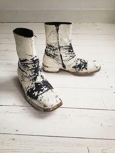 Maison Martin Margiela white painted boots (41) — 2003 | V A N II T A S