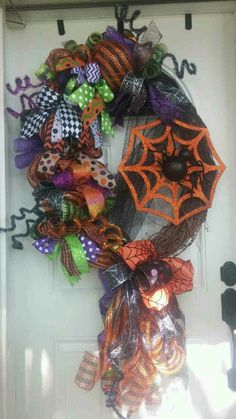 Spider Web Funky Bow Vine wreath to order  www.facebook.com/groups/shescraftybyclara