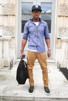 Brown chinos, white tee and blue shirt. Always a classic. Simple and elegant.