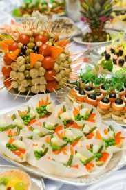 How to avoid serving too much food at your wedding reception