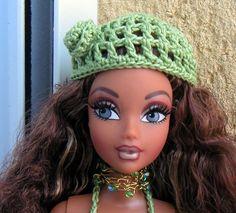 Bonnet Crochet, Crochet Hats, Barbie Et Ken, Accessoires Barbie, Barbie Patterns, Anti Cellulite, Beret, Knitting, Passion