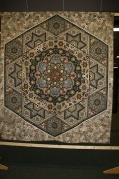 261 best images about Yoko Saito Quilts & more on . Yoko Saito, Quilt Festival, Hand Quilting, Hexagon Quilting, Antique Quilts, English Paper Piecing, Quilting Designs, Quilt Design, Quilt Making