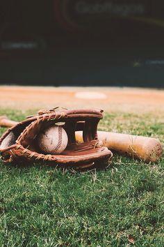 Baseball Signs For Players - Baseball Field Graphic - - Best Baseball Player, Baseball Tips, Baseball Pictures, Dodgers Baseball, Sports Baseball, Baseball Field, Mlb Yankees, Baseball Girlfriend, Baseball