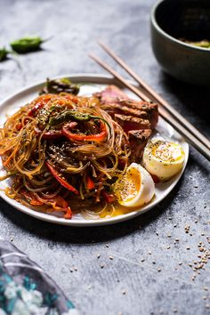 30 Minute Korean Stir Fried Shishito Pepper Rainbow Veggie Noodles with Seared Tuna   halfbakedharvest.com @hbharvest