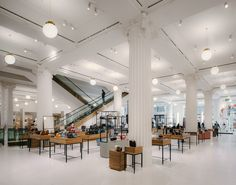 David Chipperfield Architects completes unifying renovation for Selfridges department store in London Interior Design Tips, Interior Decorating, Decorating Blogs, Selfridges London, David Chipperfield Architects, House Paint Interior, Retail Interior, Interior Shop, Shop Interiors