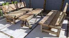 MARABIERTO - Banco Durango de tablones de pino patinado y banco Pique de tablón de pino y piques de madera dura.