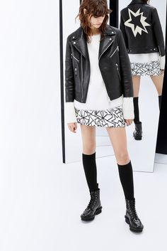Neil Barrett Fall 2015 Ready-to-Wear Fashion Show