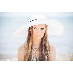 Because it's the first day of summer ... ☀️👙🌊 Rachel | Born to Beach Hair and makeup: Sarah | BobbyPins&Blush @lytlehmua @bpbfxbg  #twelfthandgracebyshannon #twelfthandgraceseniors #twelfthgraceseniors #seniorstyleguide #seniorologie #seniorstunner #seniorologiefave #seniorphotographer #snapsocietydailyfav #MODERNsenior  #senioryearmagazine #thetwelfthyear