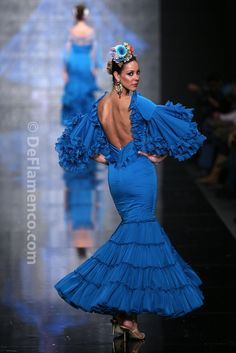 Fotografías Moda Flamenca - Simof 2014 - Alicia Cáceres 'Embrujo del sur' Simof 2014 - Foto 12 Flamenco Costume, Flamenco Dancers, Dance Costumes, Catwalk Fashion, Fashion Show, Flamingo Dress, Spain Fashion, Fantasy Dress, Special Dresses