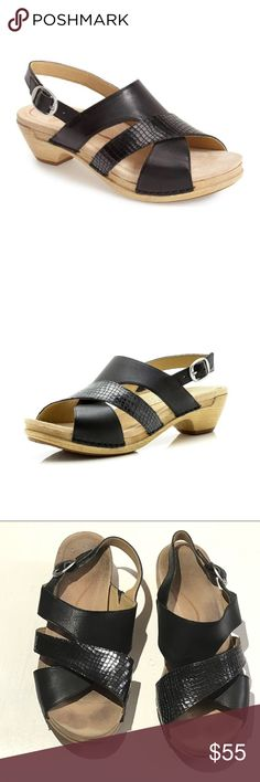 3cac4d808bf4 Dansko 38 Women s Size 8 Lindy Black Sandal This pair of Dansko sandals is  up for