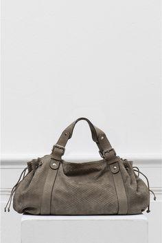 3c21386f48180 15 meilleures images du tableau Bags   Bags, Beige tote bags et ...