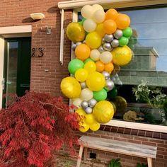 """Yᴏᴜʀ Bᴀʟʟᴏᴏɴs ➪ Eᴠᴇɴᴛsᴛʏʟɪɴɢ op Instagram: """"𝚆𝚑𝚎𝚗 𝚠𝚎 𝚝𝚊𝚔𝚎 𝚘𝚞𝚛 𝚋𝚊𝚕𝚕𝚘𝚘𝚗𝚠𝚊𝚕𝚕 𝚝𝚘 𝚝𝚑𝚎 𝚗𝚎𝚡𝚝 𝚕𝚎𝚟𝚎𝚕! 𝙴𝚎𝚗 𝚠𝚎𝚎𝚔 𝚐𝚎𝚕𝚎𝚍𝚎𝚗 𝚔𝚛𝚎𝚐𝚎𝚗 𝚠𝚎 𝚍𝚎 𝚟𝚛𝚊𝚊𝚐 𝚘𝚏 𝚠𝚎 𝚎𝚎𝚗 𝚎𝚢𝚎-𝚌𝚊𝚝𝚌𝚑𝚎𝚛 𝚔𝚘𝚗𝚍𝚎𝚗 𝚟𝚎𝚛𝚣𝚘𝚛𝚐𝚎𝚗 𝚋𝚒𝚓 𝚍𝚎…"""" Balloons, Fruit, Instagram, Globes, Balloon"""