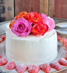 Den perfekte kaken til sommerfesten! Vanilla Cake, Sweet, Desserts, Den, Food, Decoration, Celebrities, Vanilla Sponge Cake, Celebs