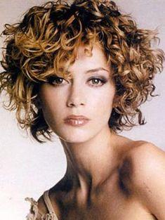 cortes de cabelo curto encaracolado bonitos para hair30 Melhor Curta de cabelo encaracolado 2013 corte de cabelo curto para as Mulheres wd7KnhmA por curlyzoitsa