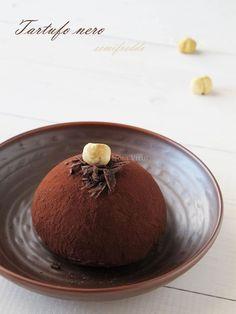 Tartufo nero / Black truffle parfait  (in Italian)