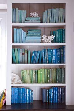 blues and #interior decorating #living room design| http://homedesignmarcella.blogspot.com