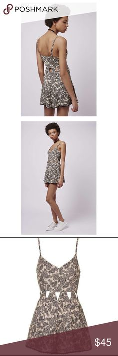 5f7da9cad535  TOPSHOP  Paisley Cut-Out Playsuit Size 0 In perfect condition this  beautiful playsuit is a must have addition to any wardrobe pair with heels  to dress it ...