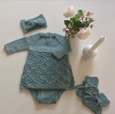 Baby Sweaters, Creative Kids, Baby Shop, Baby Knitting, Arm Warmers, Baby Gifts, Kids Outfits, Applique, Crochet Patterns