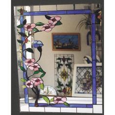 Espejo tiffany flores rosas Stained Glass Mirror, Stained Glass Paint, Mirror Mosaic, Stained Glass Patterns, Stained Glass Windows, Mosaic Art, Mosaic Glass, Glass Art, Glass Painting Designs